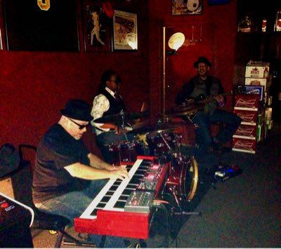 Live Shots: Paradigm Shift at Havana Moe's